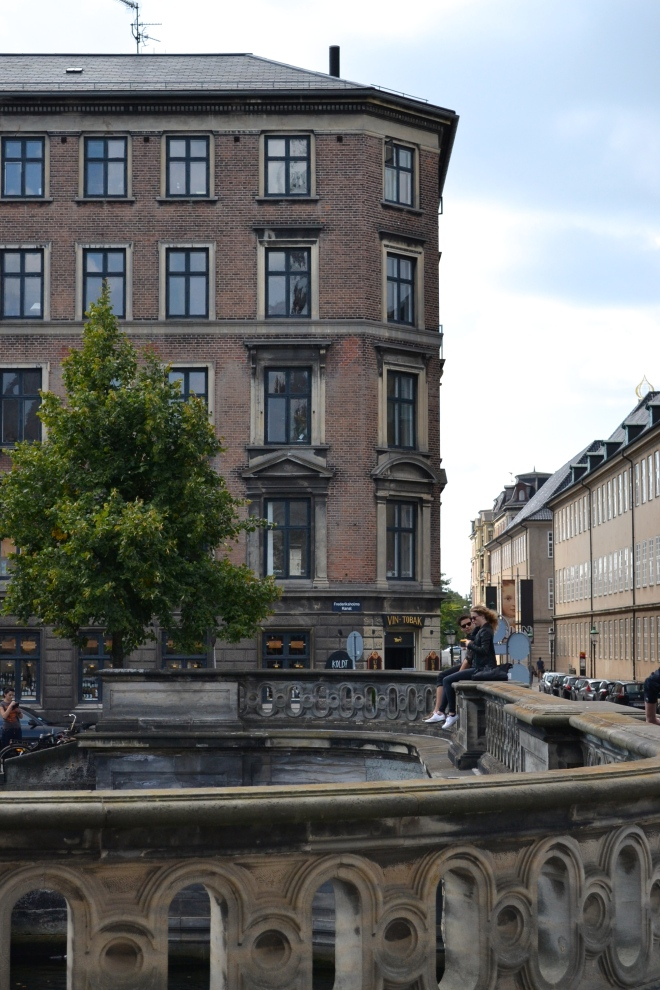 couple on bridge in slotsholmen
