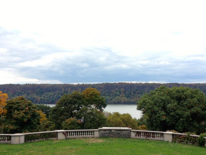 wave hill in new york city, the bronx, fall foliage, autumn